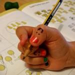 Richtige Stifhaltung mit Schreibhilfe